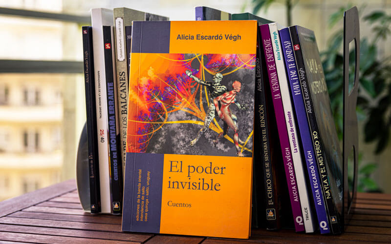 El poder invisible, por Alicia Escardó Veigh
